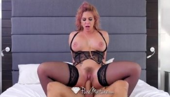 Amateur brunette Nelly loves to fuck her boyfriend